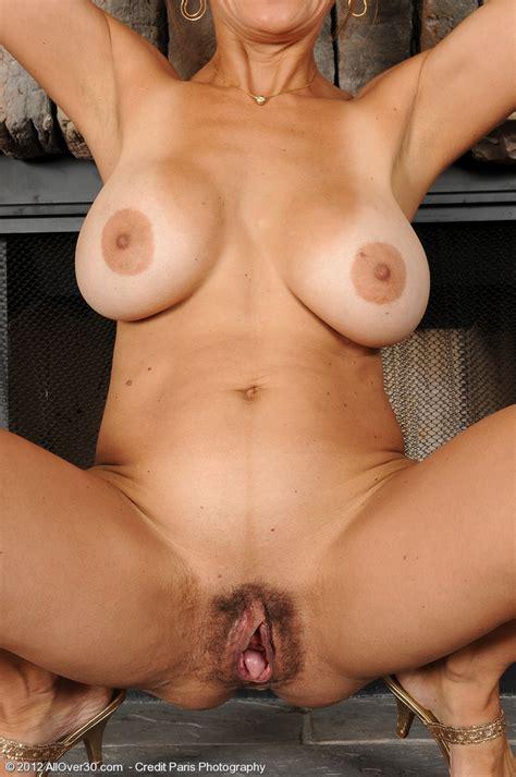 Mature And Sexy Tori Baker Rub Her Clam Milf Fox