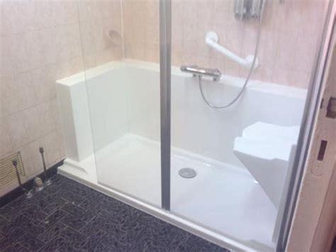 baignoire siege amenagement baignoire pour personne agee 28 images