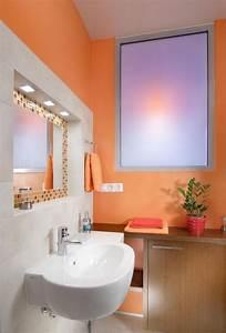 Farbe Für Fliesen : bad streichen ist spezielle farbe im badezimmer notwendig ~ Watch28wear.com Haus und Dekorationen