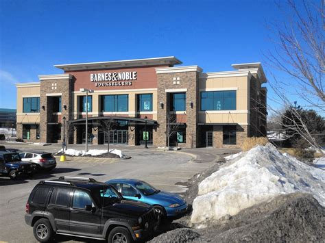 Barnes Noble Milwaukee by Barnes Noble Could Turn Into Northshore Clinic