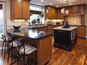 Light wood floors and kitchen cabinets brown and white for Wood kitchen cabinets with wood floors