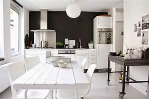 Mur noir une idee deco a prendre pour une cuisine for Idee deco cuisine avec credence cuisine scandinave