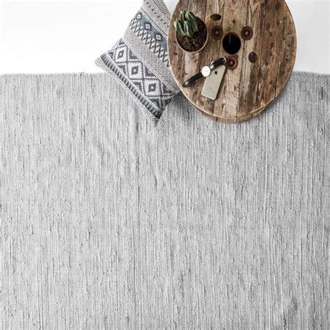 tapis coton gris clair