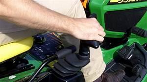 John Deere   Commandes Du Nouveau Tracteur Tondeuse Diesel