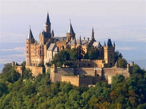 Los 10 Castillos Más Impresionantes Del Mundo  Los Viajes