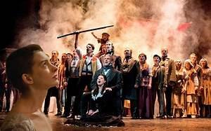 Les Miserables the movie v Les Miserables the musical ...