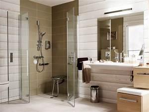 Aménager Une Salle De Bain : am nager une salle de bains pour une personne g e ~ Dailycaller-alerts.com Idées de Décoration