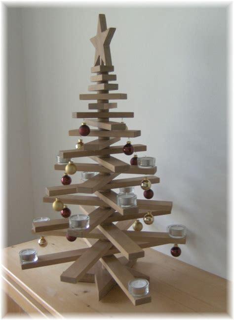 weihnachtsdeko weihnachtsbaum aus holz mit deko 72 cm