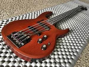 Carvin Lb20 Bass Guitar With Whammy Bar