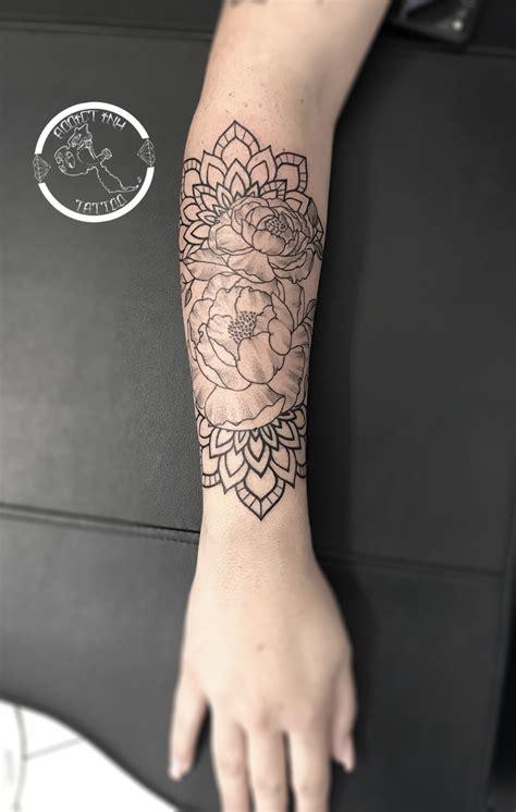 tatouage manchette femme mandala lm montrealeast