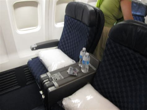 american airlines   class review honolulu hnl