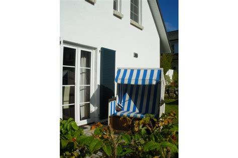 strandkorb im garten landhaus godehus in sellin firma landhaus godehus frau