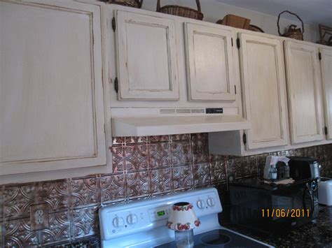 painting oak kitchen cabinets antique white 28 painting oak cabinets antique white 9065