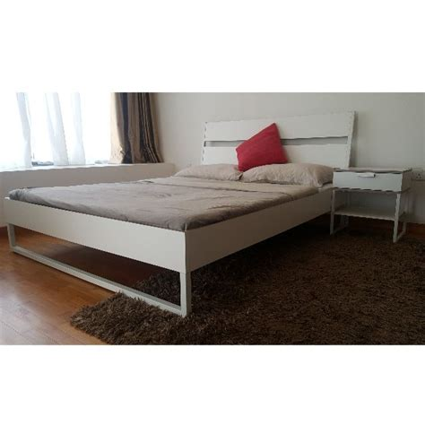 Trysil Ikea Bett by Ikea Bed Frame With Matterss And Bedside Table