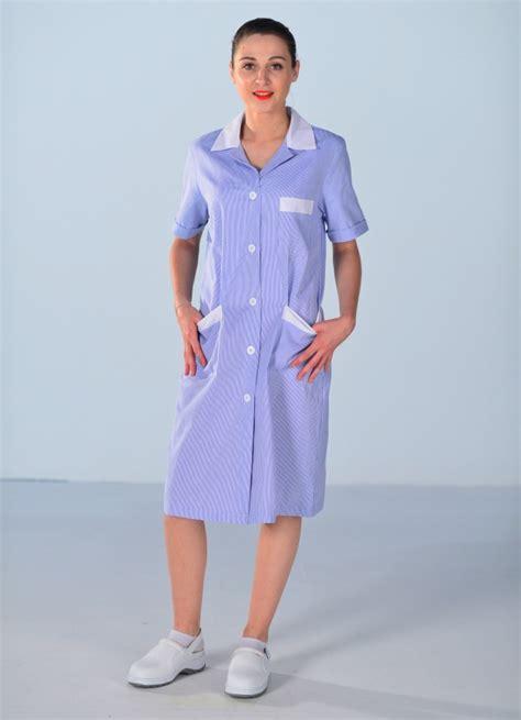 femme de chambre blouse de travail femme de ménage bleue blouse femme de