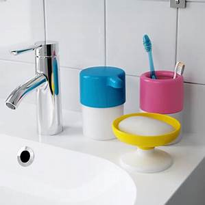 Deco Salle De Bain Accessoires : des accessoires rigolos pour une salle de bain enfant ~ Teatrodelosmanantiales.com Idées de Décoration