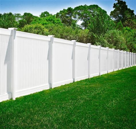 vinyl fencing ideas 25 best ideas about vinyl privacy fence on pinterest