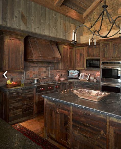 mobilier de cuisine en bois massif le meuble massif est il convenable pour l 39 intérieur
