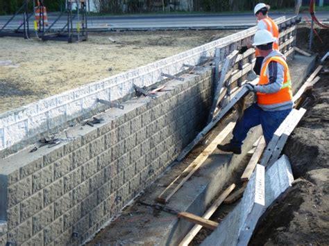 foam concrete forms for retaining walls concrete forms block