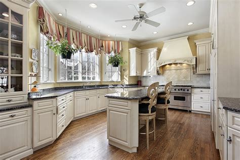 Luxury Kitchen Design Ideas (custom Cabinets Part 3 Living Room Decor Photos Rich And Famous Ideas For Small Designs Furniture Newport News Va Pictures Of Wallpaper Decorating With Grand Piano The Restaurant Sydney Best Desktop Sets At Walmart