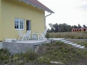 Terrasse Am Haus : unser haus terrasse ~ Indierocktalk.com Haus und Dekorationen