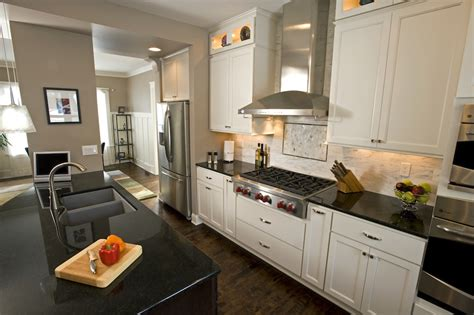 wauwatosa colonial revival kitchen sj janis