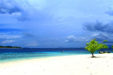 pulau lihaga tempat wisata menarik  minahasa utara
