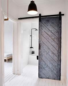 La porte coulissante salle de bain nous fait decouvrir ses for Salle de bain design avec porte décorative
