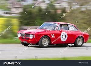 Alfa Giulia Prix : mutschellen switzerland april 29 vintage race touring car alfa romeo giulia sprint gt from ~ Gottalentnigeria.com Avis de Voitures