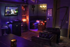 Game, Room, With, Custom, Arcade, Cabinet, And, Cocktail, Arcade, Table, Booth, Via, Reddit, User, Chumshot