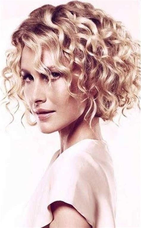 tips for curly hair styles 2018 popular medium bob hairstyles for curly hair 9310