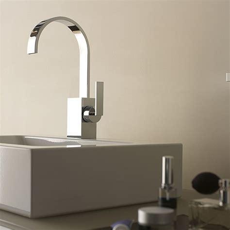dornbrachts sleek mem faucet  flat spout fancy
