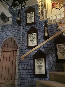 Harry Potter Decoration : my own props halloween 2016 harry potter wall of ~ Dode.kayakingforconservation.com Idées de Décoration