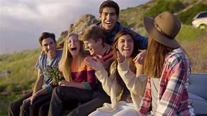 Image Gallery teens laughing