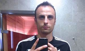 Dimitar Berbatov posts selfie of his washboard abs | Daily ...