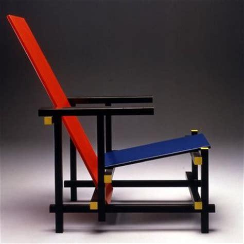la chaise et bleue le fauteuil blue de rietveld design géométrique