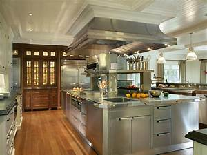 Stainless steel kitchen cabinets hgtv pictures ideas hgtv for Kitchen cabinets lowes with old world metal wall art