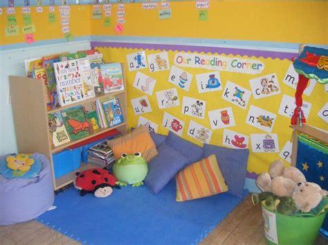 reading corner classroom ideas and decoration 180 | 6db2ef38453bd561a0a61cda1258623e