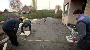 Gravier Pour Terrasse Beton by Pose De Dalles De Terrasse Youtube