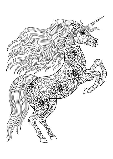 unicorno disegno gia colorato stampare disegni da