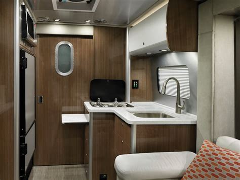 rvs airstream atlas class  suncruiser