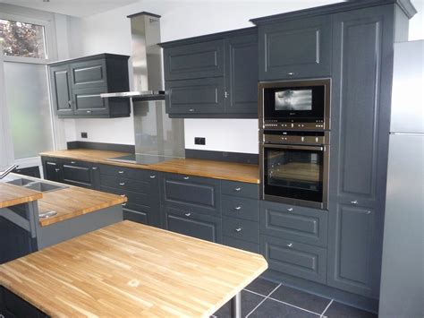 cuisine a repeindre repeindre cuisine en bois avec meuble de cuisine brut