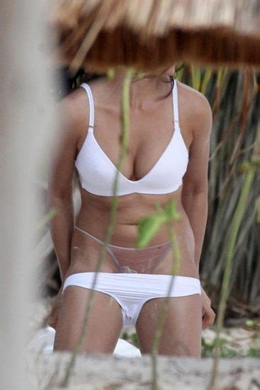 monika clarke nude tits  beach photo shooting scandal
