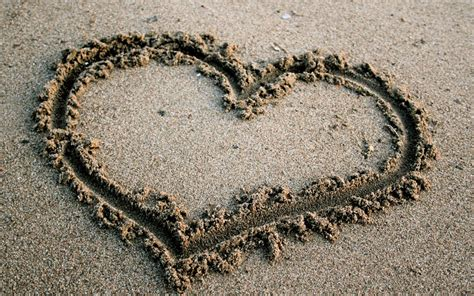 Heart In The Sand 1440x900 Wallpaper