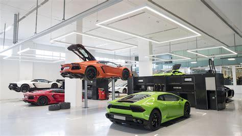 Lamborghini Opens Epic Showroom In Dubai, Biggest In The
