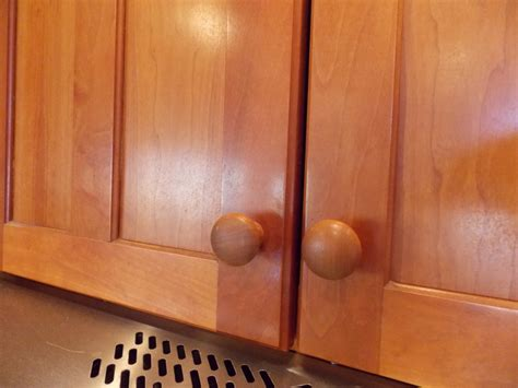 what is the best degreaser for kitchen cabinets cleaning