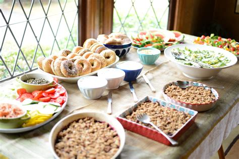 how to host a healthy baby shower brunch tips make - Food Ideas For A Baby Shower Brunch