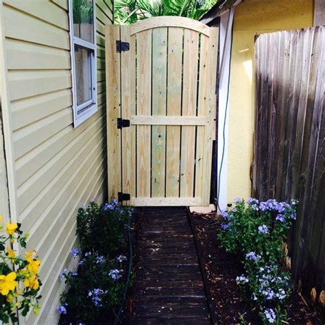 build  wooden gate   yard tim layton