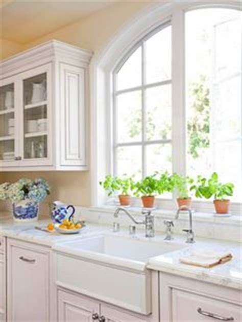 glass kitchen cabinet 1000 images about kitchen window options on 1229