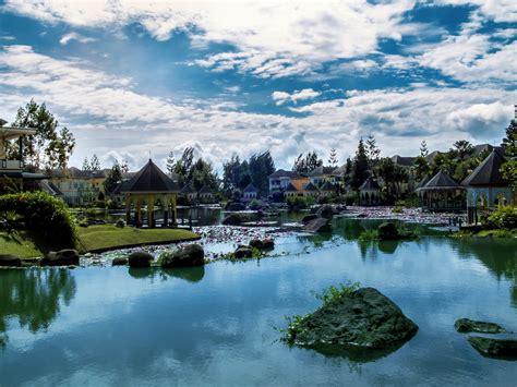 Sedang cari referensi tempat wisata alam di bogor atau tempat wisata yang cocok untuk keluarga? Bougenville Dua - Western Java - Around Guides